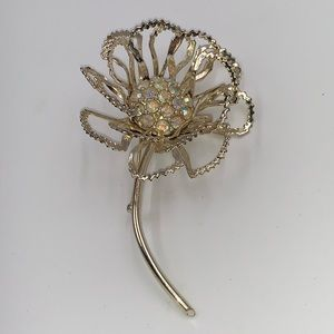 Sarah Coventry Flower Petal Floral Brooch Sparkly